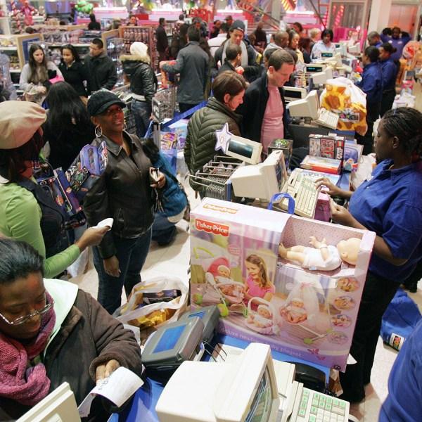 Black Friday toy shopping-159532.jpg84740287