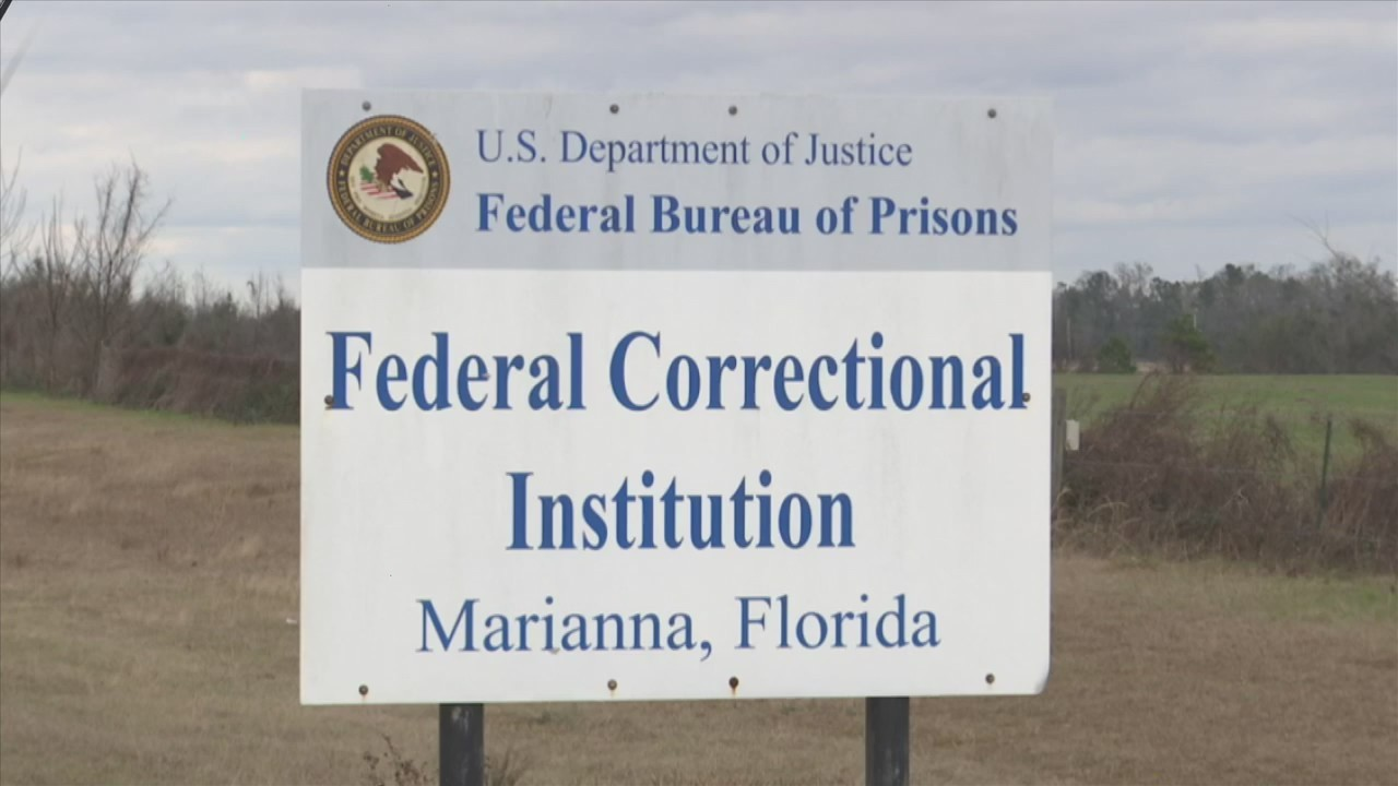 Government Shutdown Takes Toll on Federal Prison Workers in