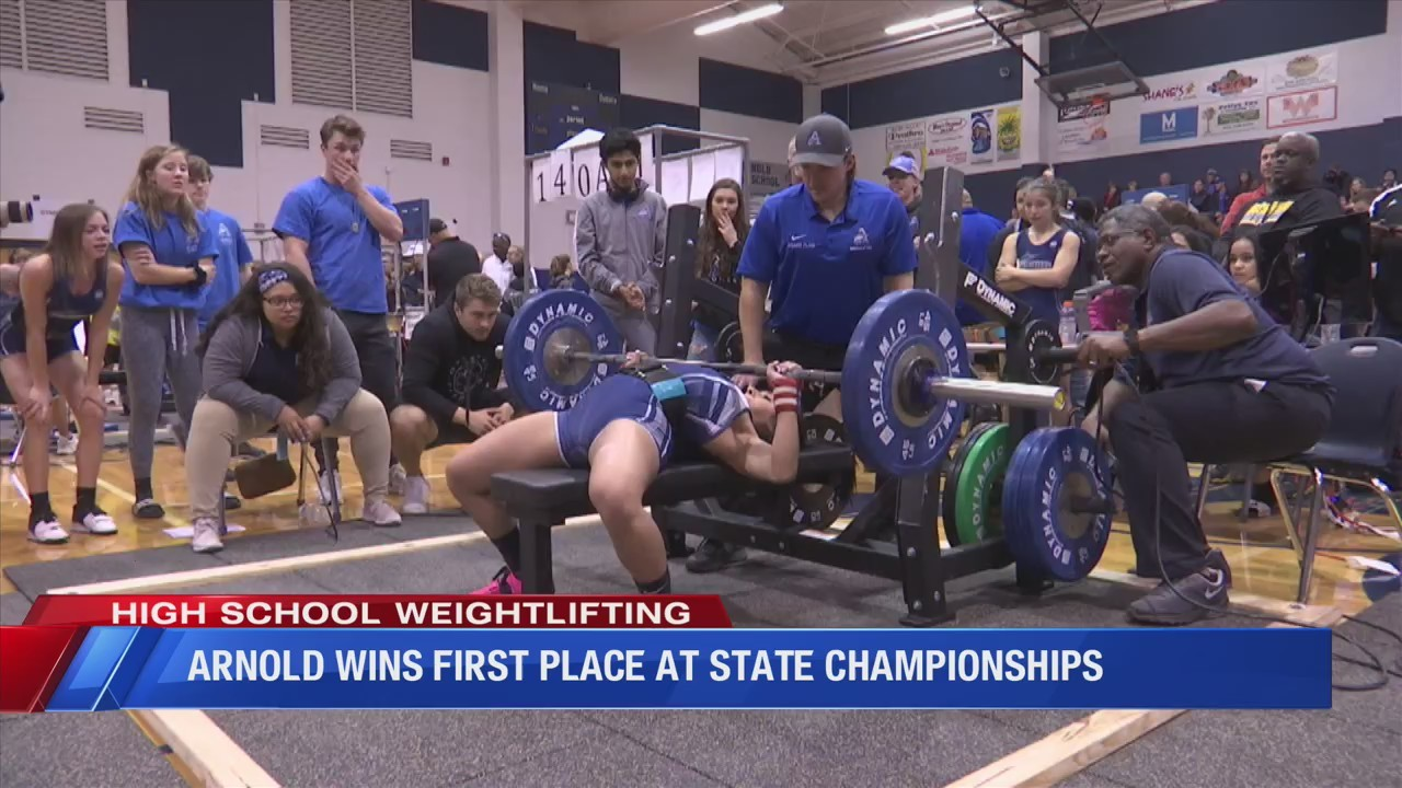 Arnold girls weightlifting gets first place at state championships