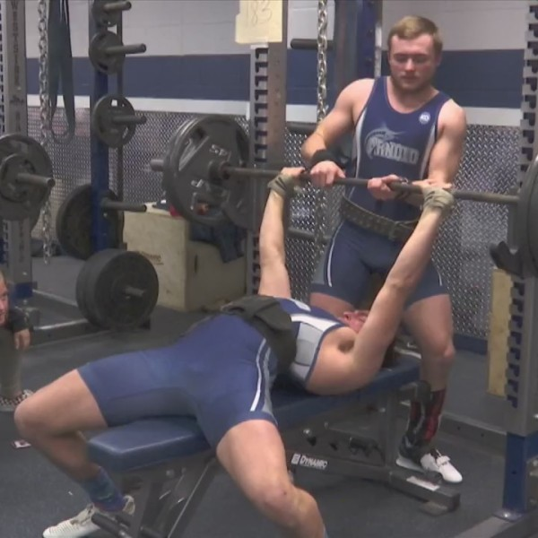 Arnold weightlifting preparing for state