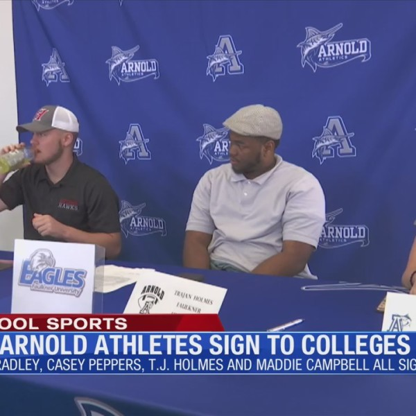 Four Arnold athletes sign to college Wednesday