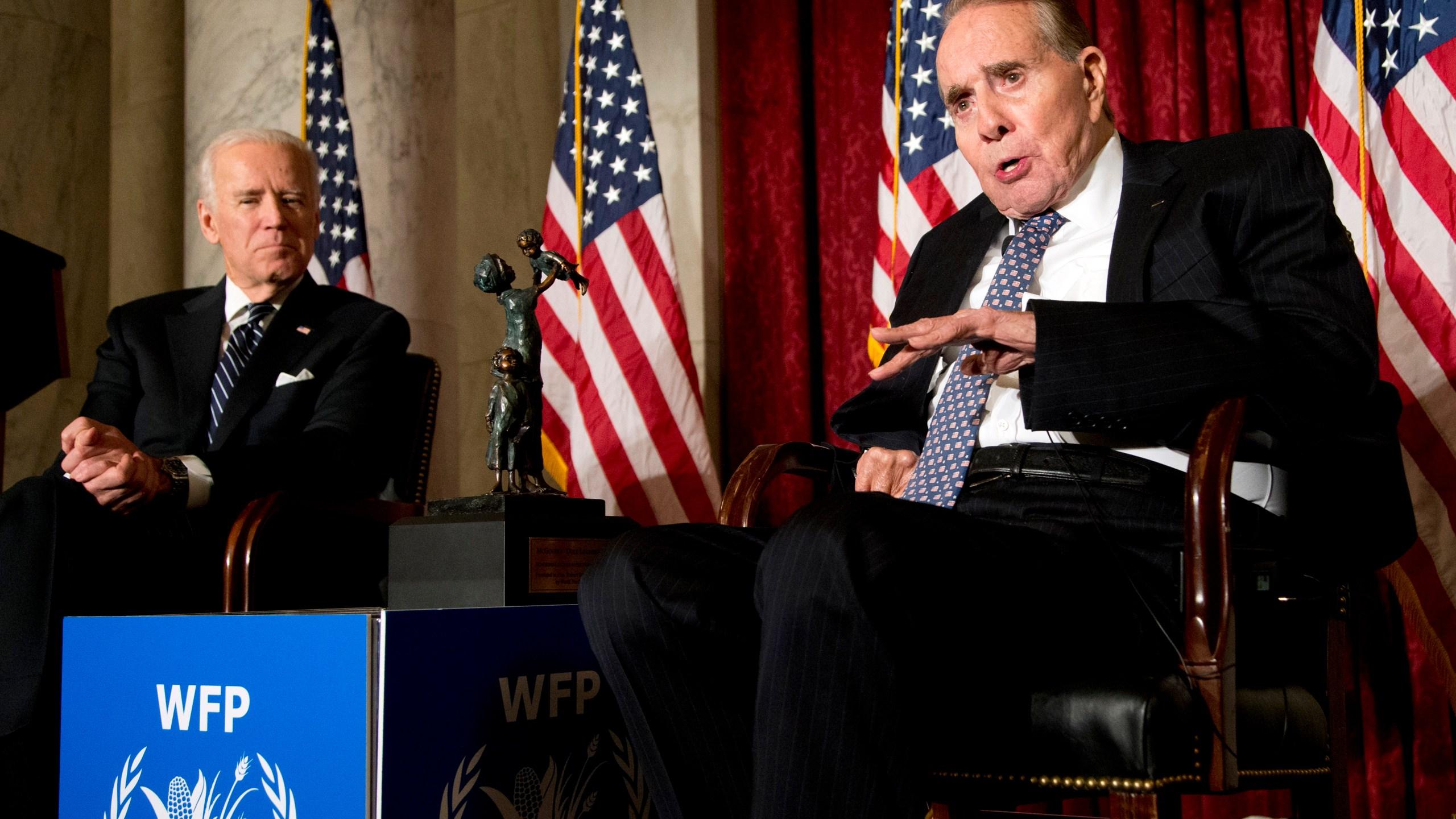 Joe Biden, Bob Dole
