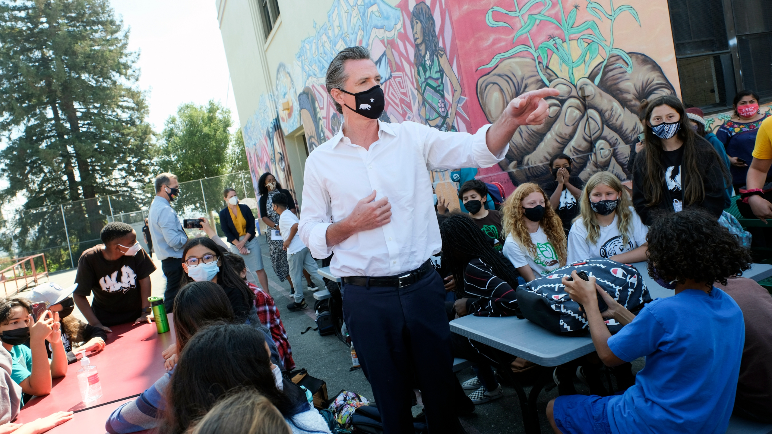 Gavin Newsom, Gavin Newsom visits TK-8 school